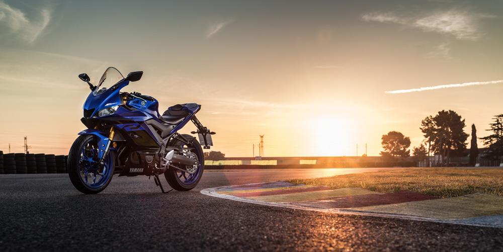 nova YZF-R3 ABS Azul Metálico (Racing Blue) Pista